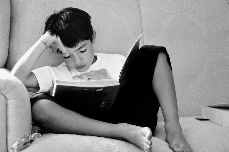 How to Help Your Child Overcome Reading Anxiety